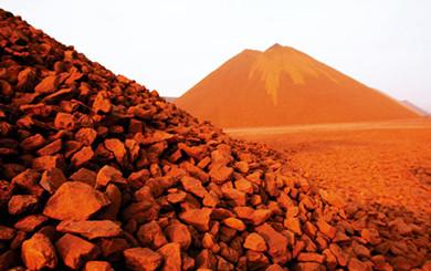 中国铁矿石进口骤增骤减